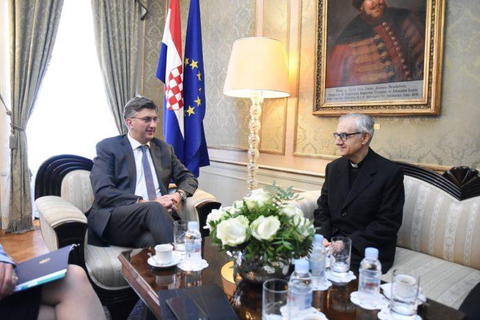 Plenković rekao apostolskom nunciju Pintu kako je Hrvatska privržena jačanju odnosa sa Svetom Stolicom