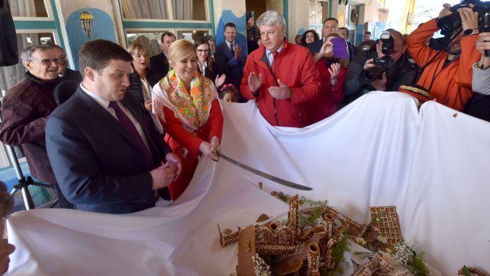 Predsjednica Grabar-Kitarović otvorila novu rivu na otoku Susku