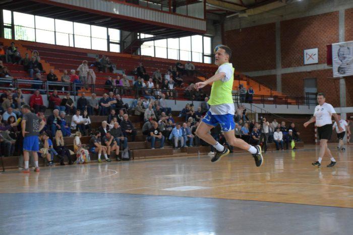 Predsjednik Sabora Jandroković zaigrao rukomet na tradicionalnom turniru u sklopu BOK-a