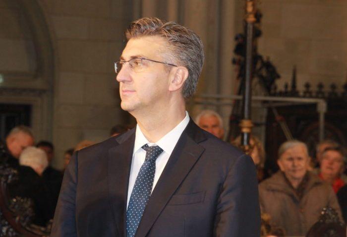 """Plenković čestitao Uskrs: """"Zajedničkom molitvom doprinosimo međusobnom razumijevanju, toleranciji i miru među ljudima dobre volje"""""""