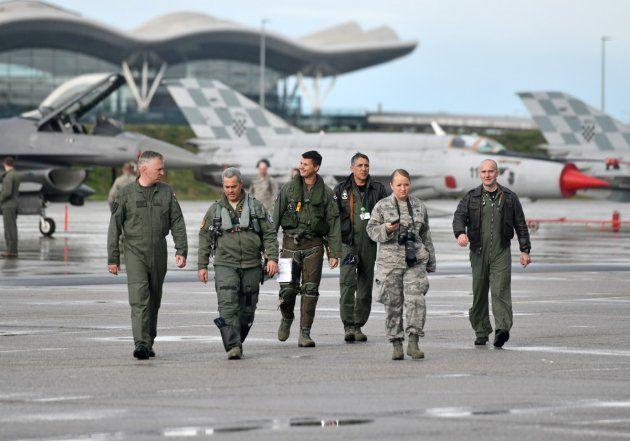 Američki avioni F-16 prvi put na Plesu, dočekao ih hrvatski pilot u zračnom prostoru