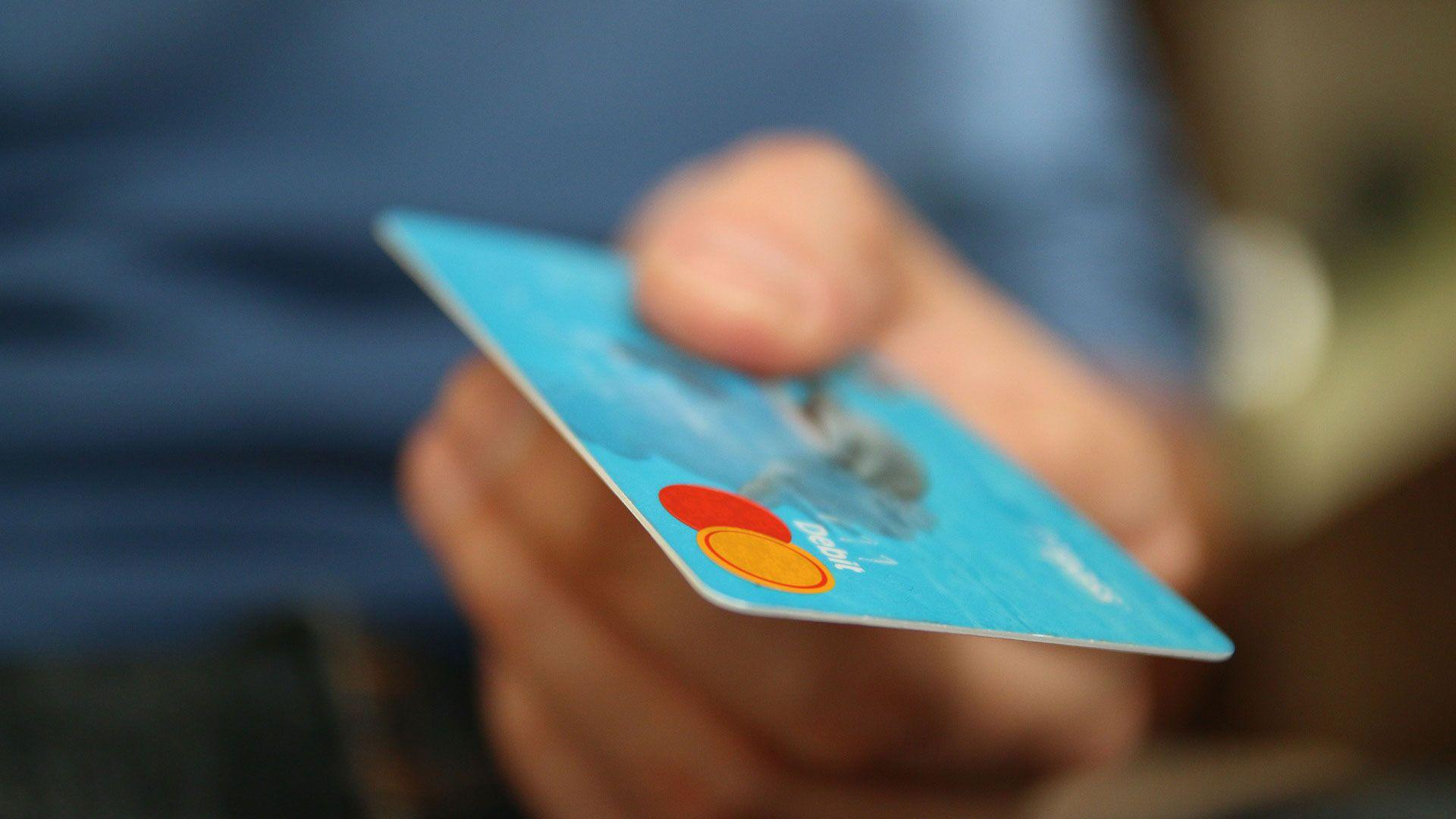 MUP: Čuvajte se lažnih poruka o neovlaštenom pristupu kreditnim karticama