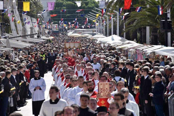 Biskup Križić na blagdan Sv. Dujma: Kršćani su izvrgnuti poniženjima u javnom prostoru