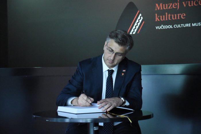 Plenković čestitao novinarima Svjetski dan slobode medija poručivši: Nikad ne bih tužio novinare što god pisali o meni