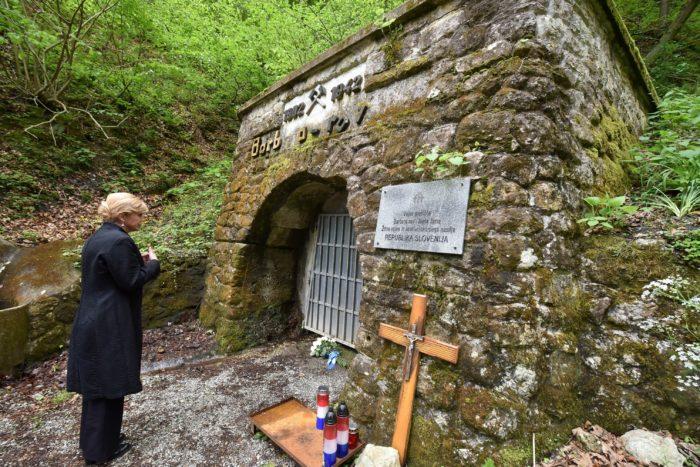 Predsjednica Republike Grabar-Kitarović posjetila Macelj, Bleiburg i Hudu jamu