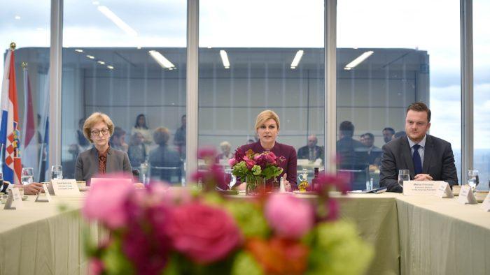 Predsjednica Grabar-Kitarović na radnom ručku s glavnim izvršnim direktoricama u Torontu