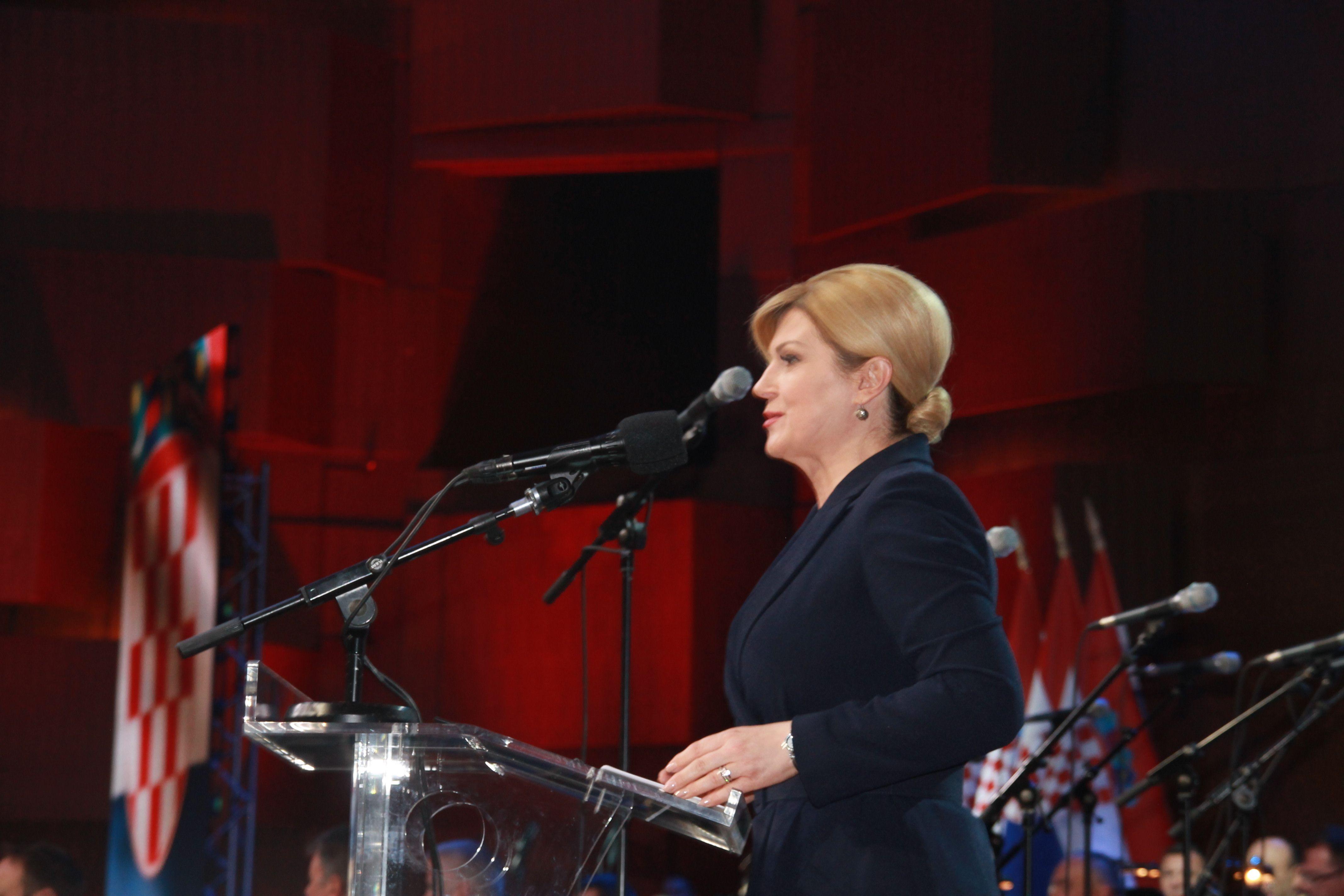 Čestitka predsjednice Grabar-Kitarović za Dan Oružanih snaga,  Dan Hrvatske kopnene vojske i 28. obljetnicu ustrojavanja Hrvatske vojske