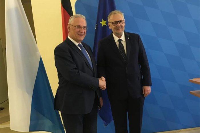 Bavarski ministar unutarnjih poslova Hermann u razgovoru s Božinovićem pohvalio hrvatsku graničnu policiju