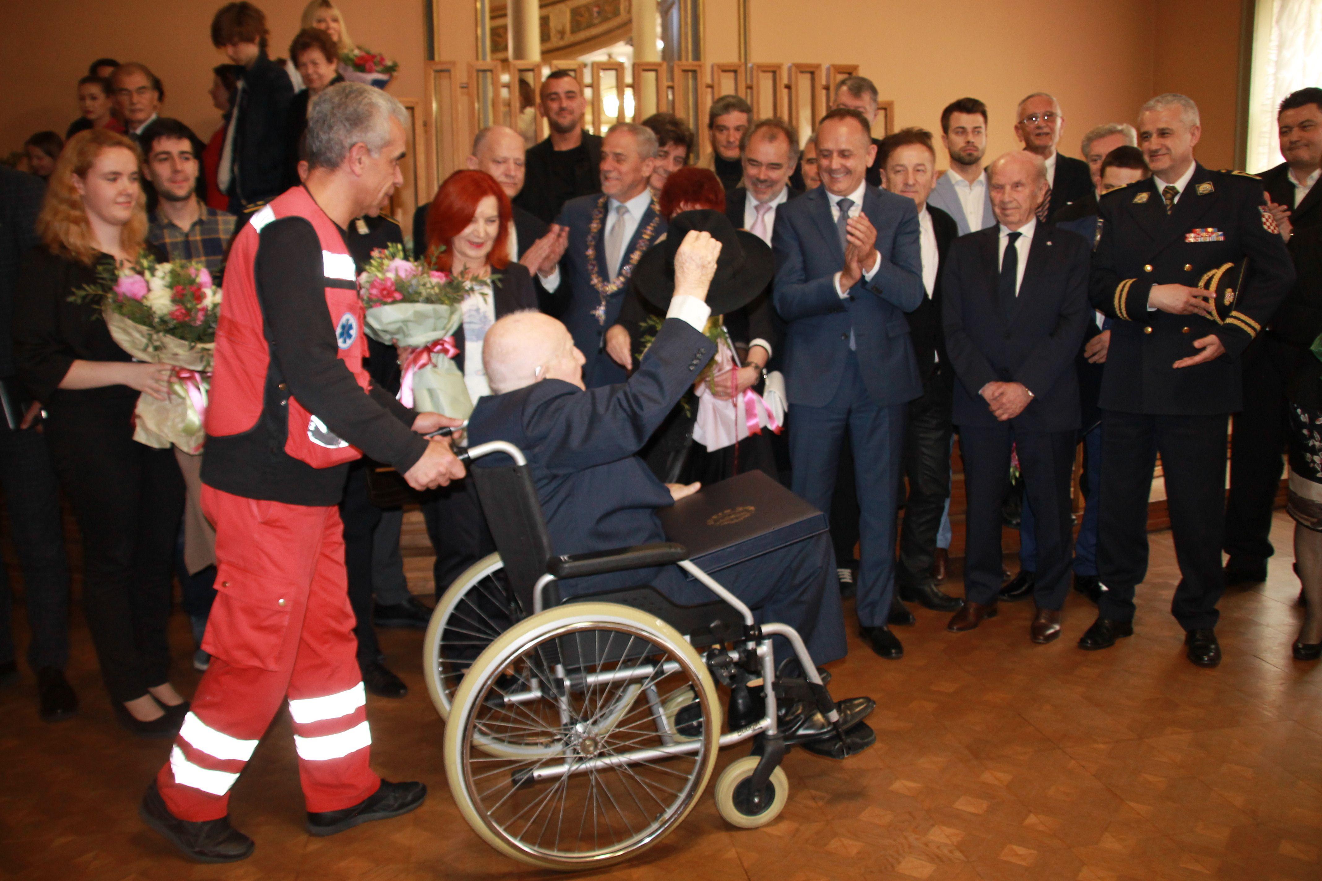 """Branko Lustig, počasni građanin Grada Zagreba: """"Jako sam dirnut"""""""