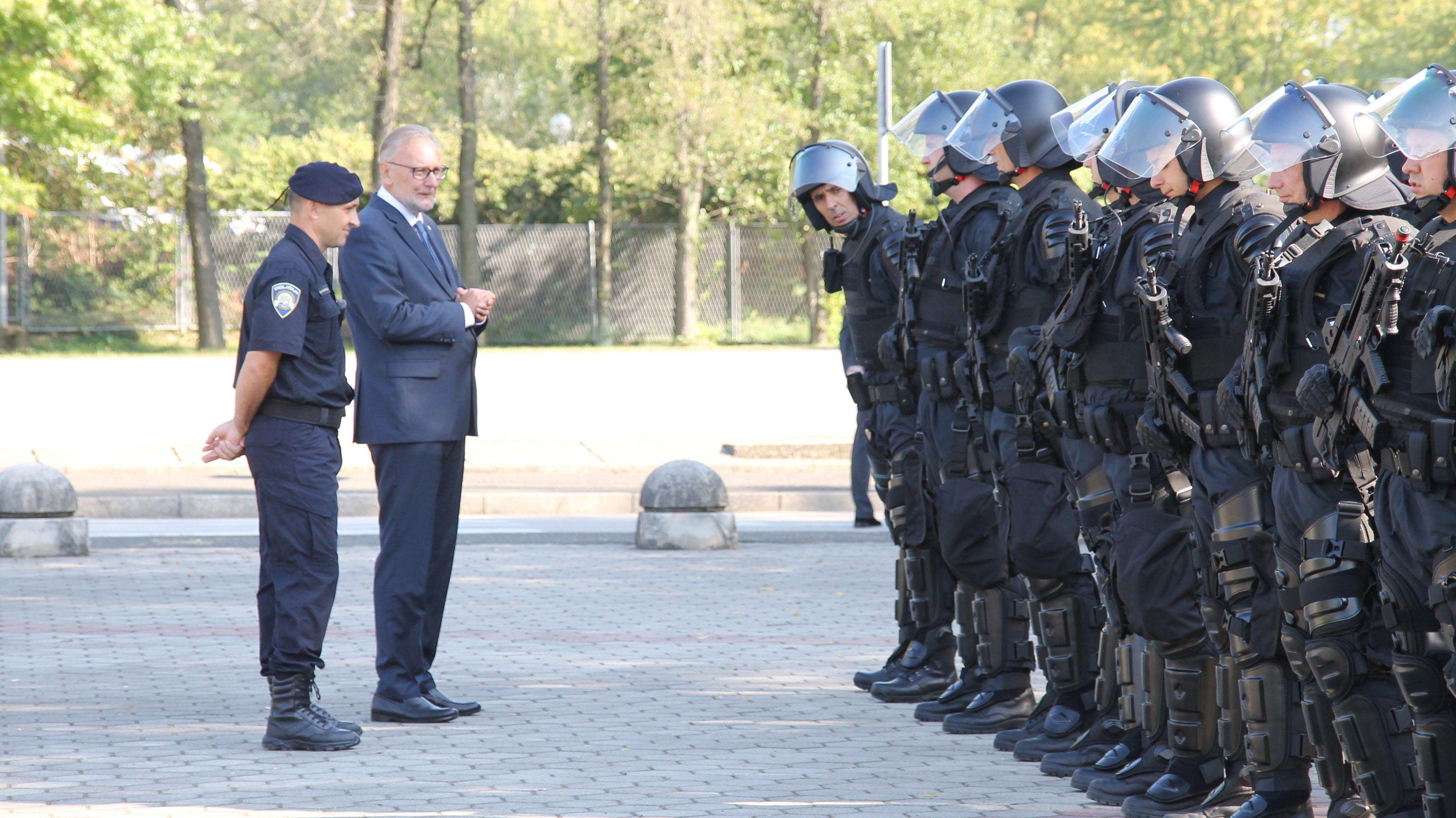 Božinović: Policija jača kapacitete kako bi se što učinkovitije borila protiv ilegalnih migracija