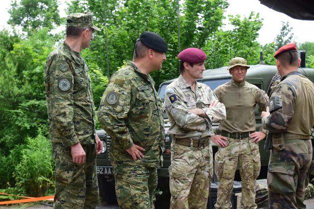"""MORH: Zapovjednik kopnene vojske Velike Britanije posjetio sudionike vojne vježbe """"Swift Response 19"""""""