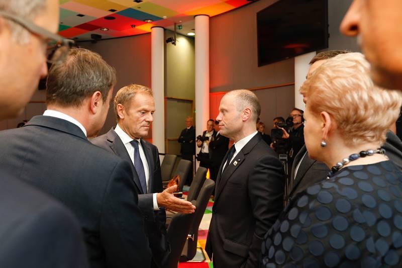Prekinut summit EU-a, nastavak u utorak u 11 sati