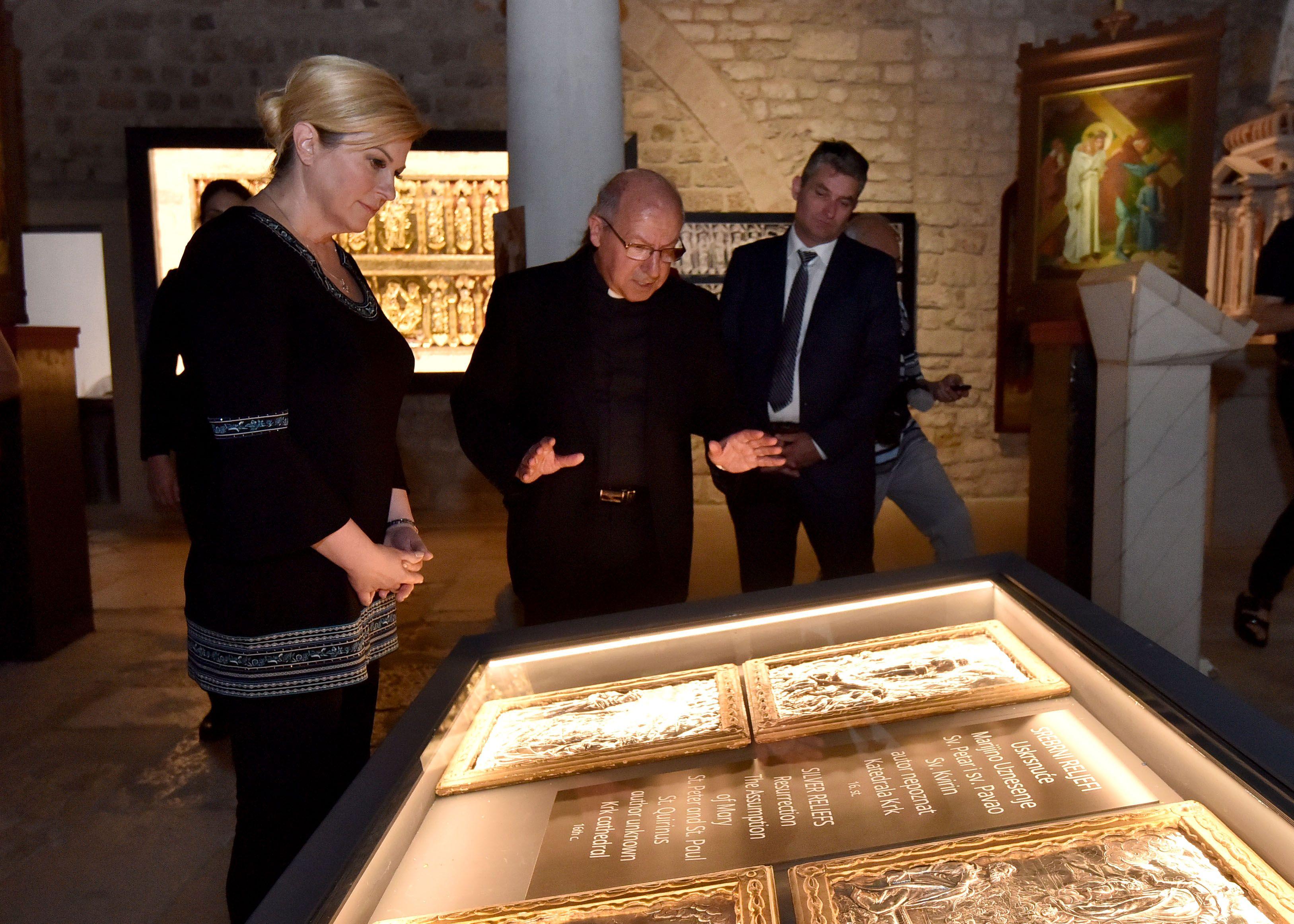 Predsjednica Grabar-Kitarović će se zauzeti za vraćanje Bašćanske ploče u Jurandvor