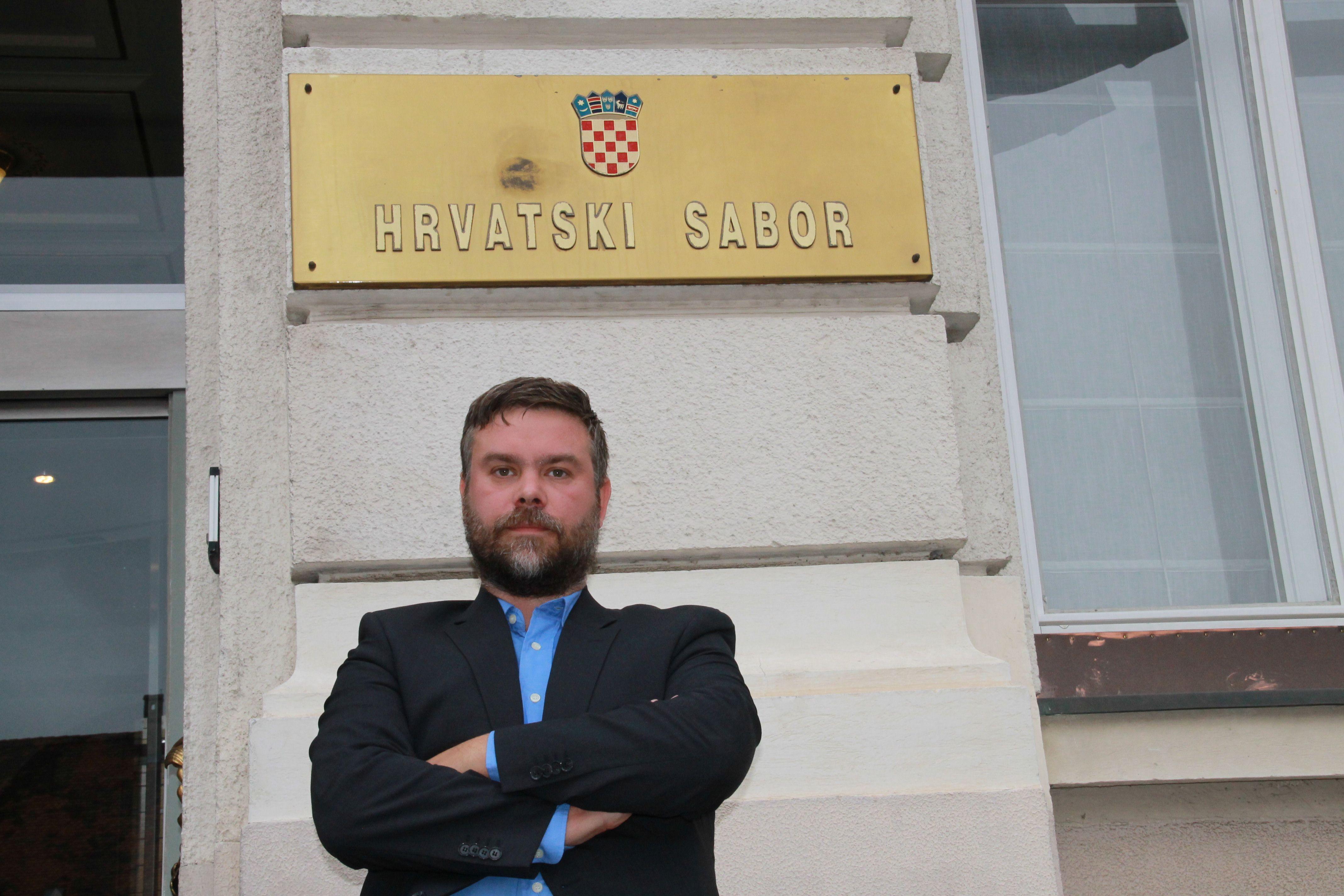 """Vucelić proziva novog ministra rada Aladrovića za korupciju: """"zoluporaba položaja, nezakonito pogodovanje, trgovanje utjecajem i zločinačko udruženje"""""""