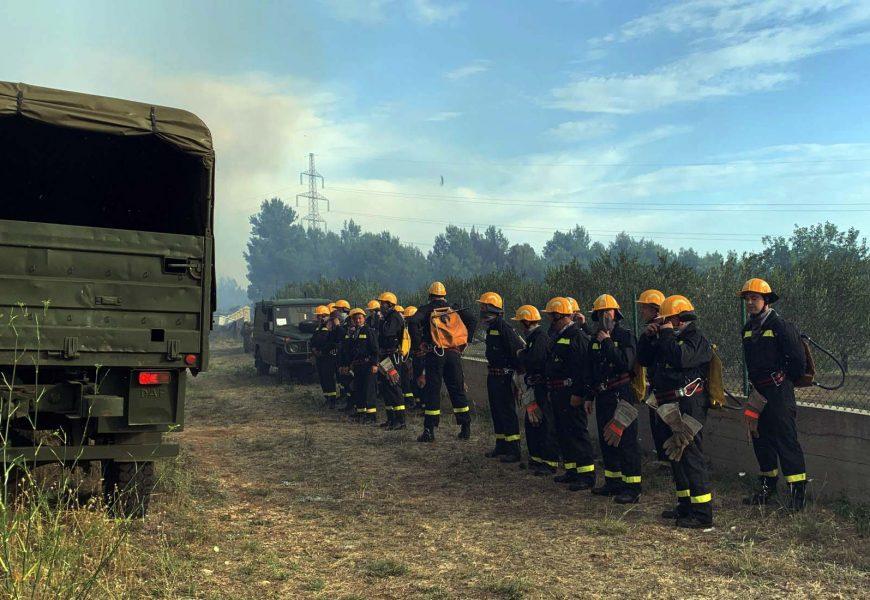 Vojnici angažirani u gašenju požara kod Šibenika, obranjeno selo Rupići