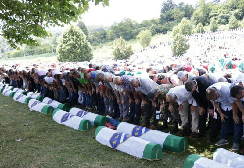 Pokopani posmrtni ostaci 33 žrtve uz pozive da se genocid ne smije nijekati