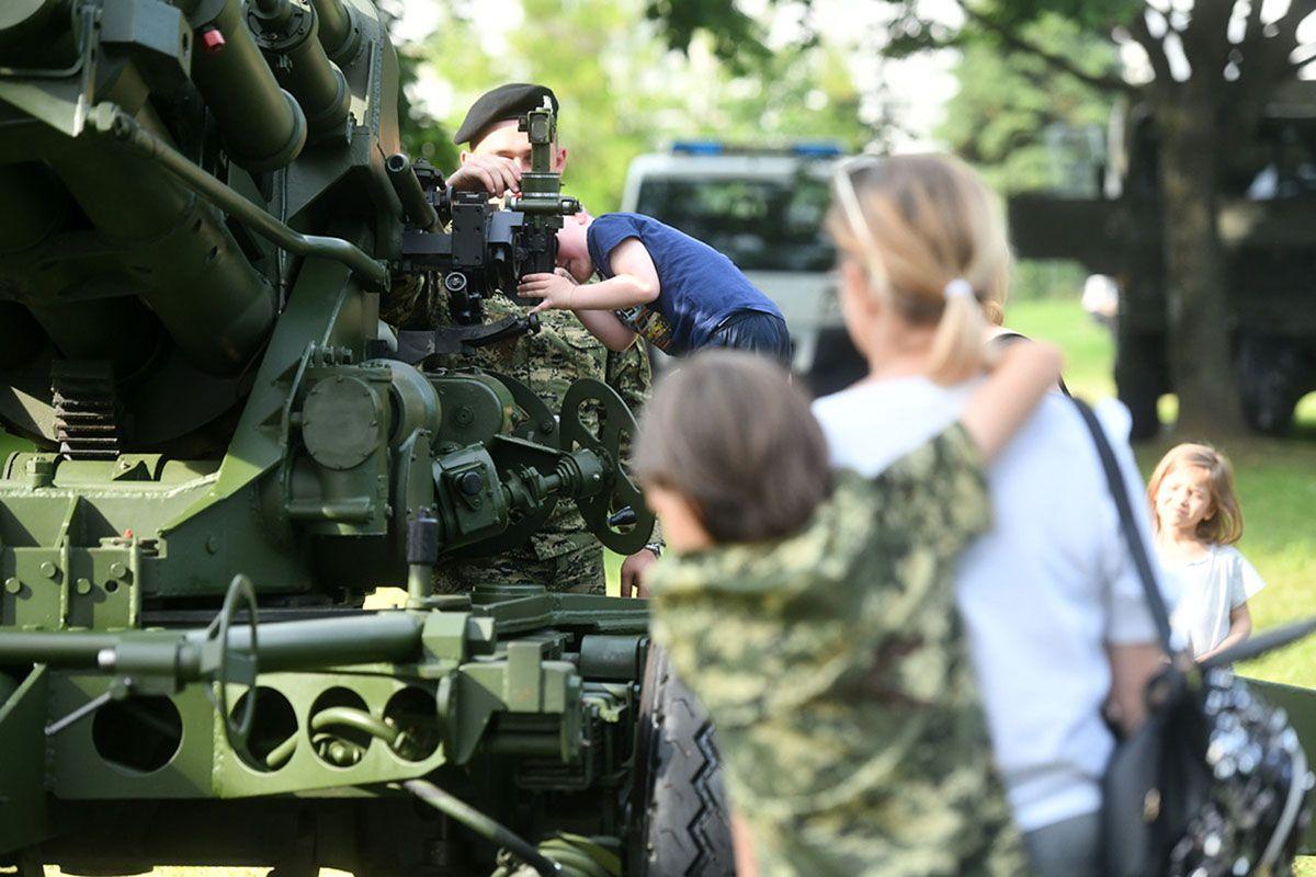 Ministarstvo obrane raspisalo natječaje za kadetske službe