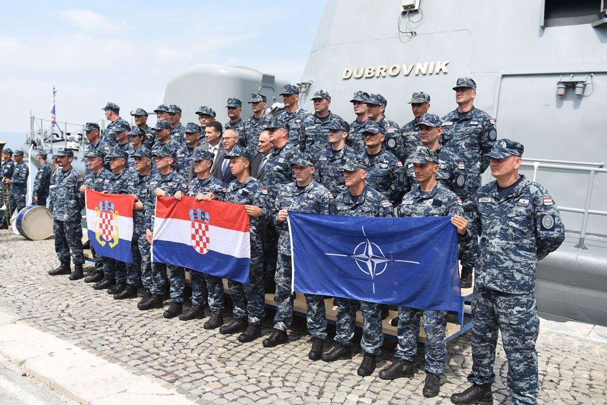 "Raketna topovnjača ""Dubrovnik"" otplovila u NATO operaciju"