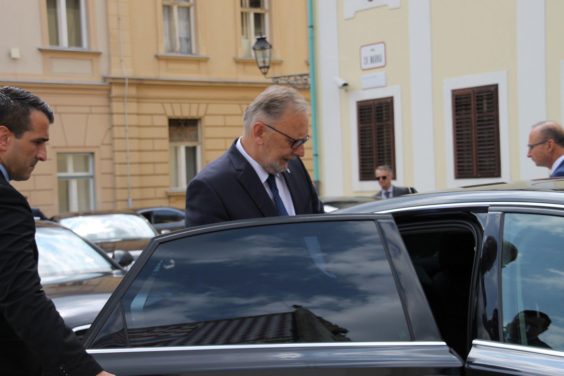 """Božinović: """"Hrvatska policija postupa po zakonu i ne dopušta ulazak ilegalcima u RH"""""""