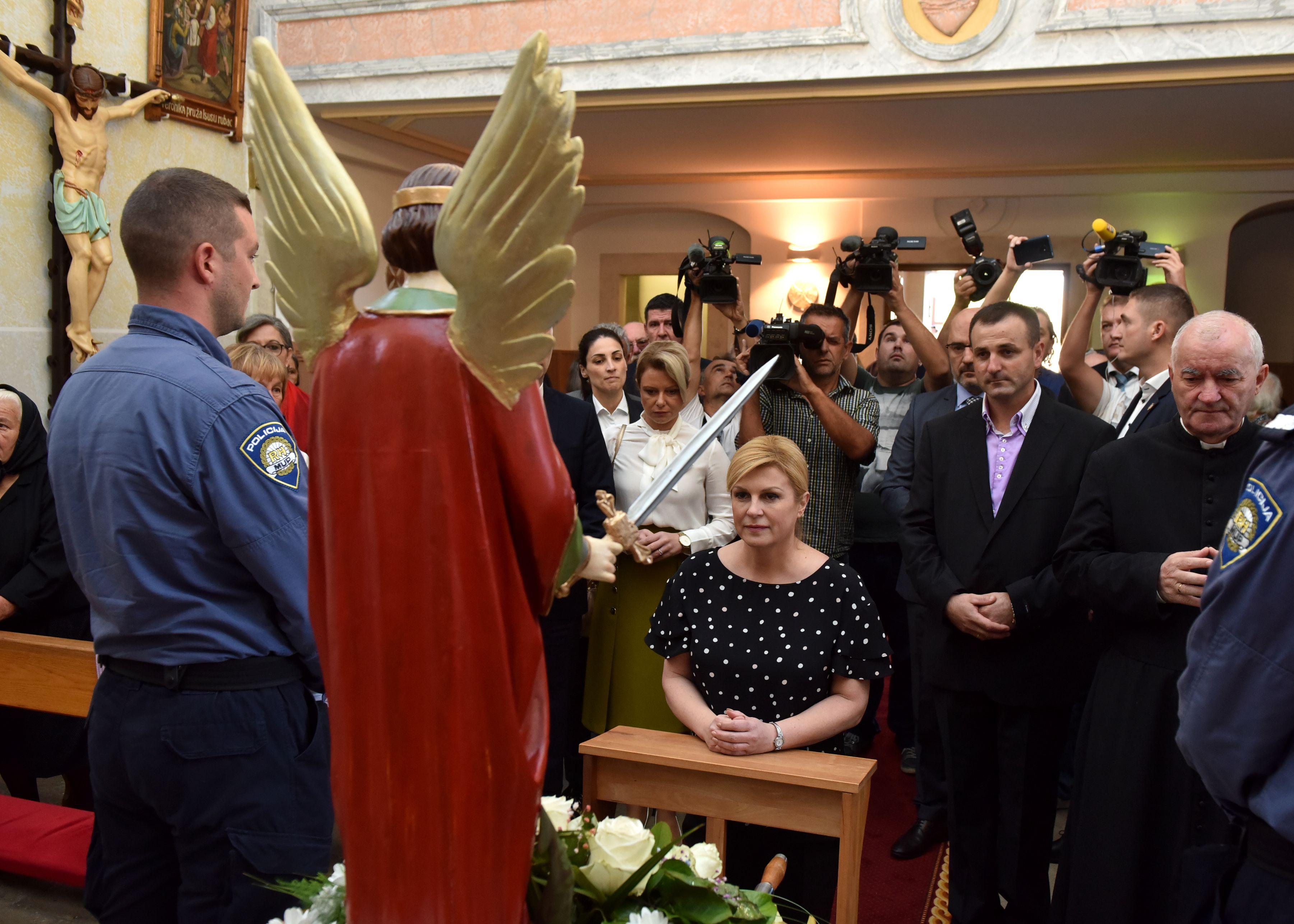Blagdan sv. Mihovila u Trilju, u procesiji i na misi predsjednica Grabar-Kitarović i Milijan Brkić