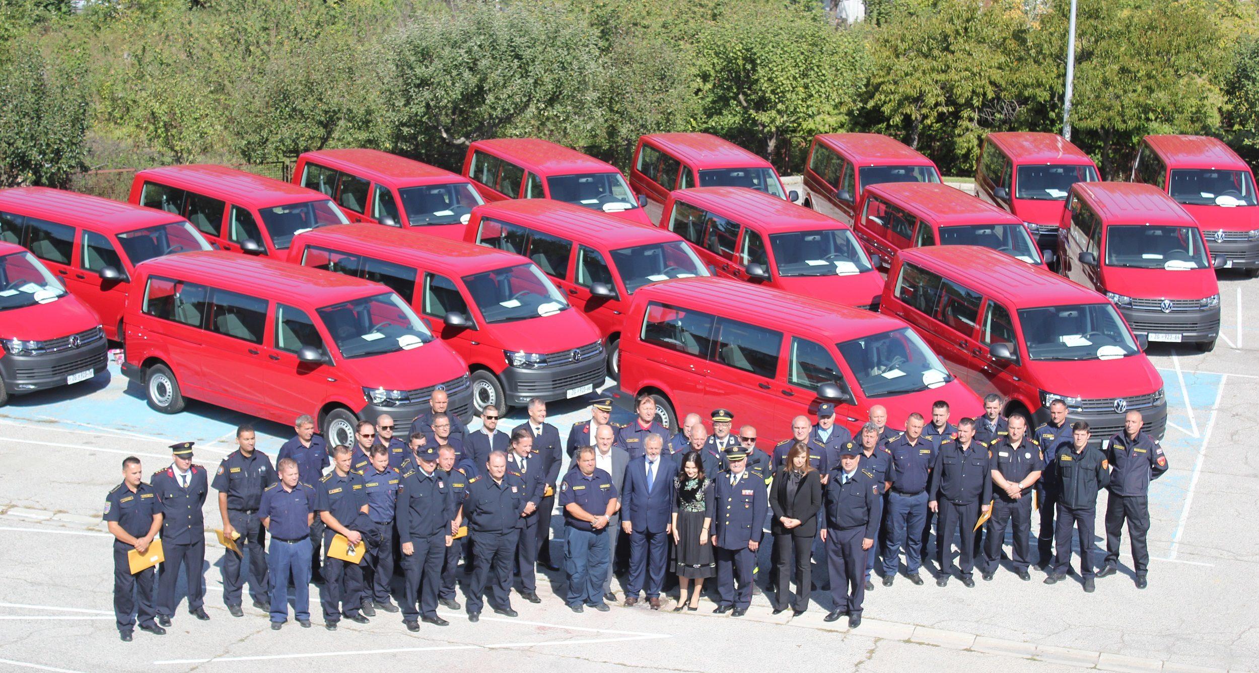 Vozila financirana iz OKFŠ-a: Marija Vučković uručila 17 novih vozila Hrvatskoj vatrogasnoj zajednici