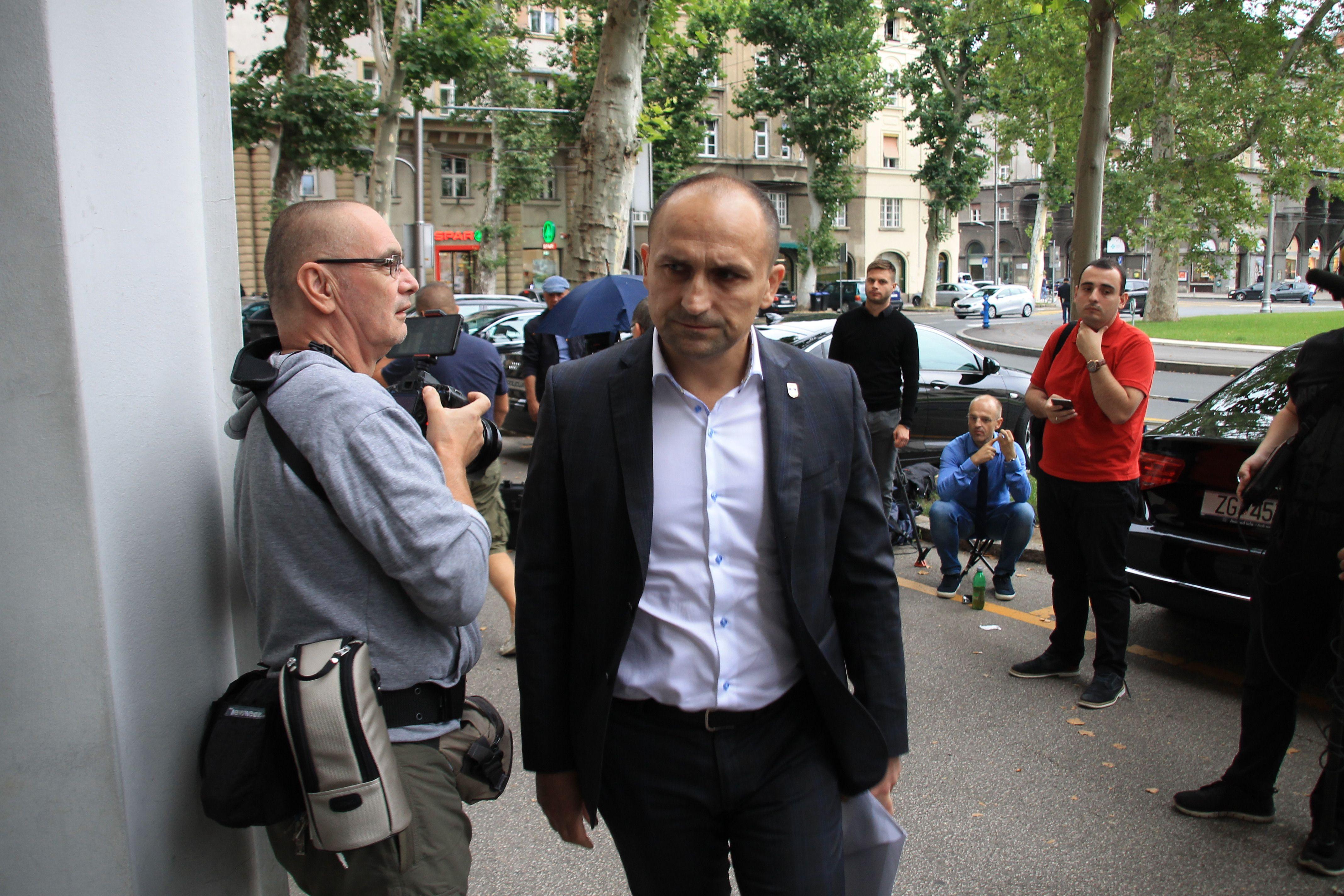 Anušić: Predsjednica Grabar-Kitarović ne odugovlači s kandidaturom nego su drugi malo prerano krenuli