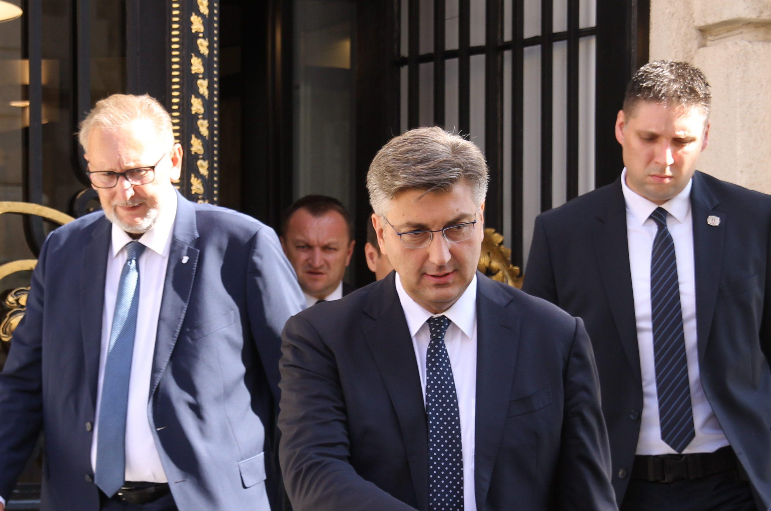 Plenković poručio Đakiću i HVIDRi : O partnerima u parlamentarnoj većini odlučuje HDZ i vodstvo stranke
