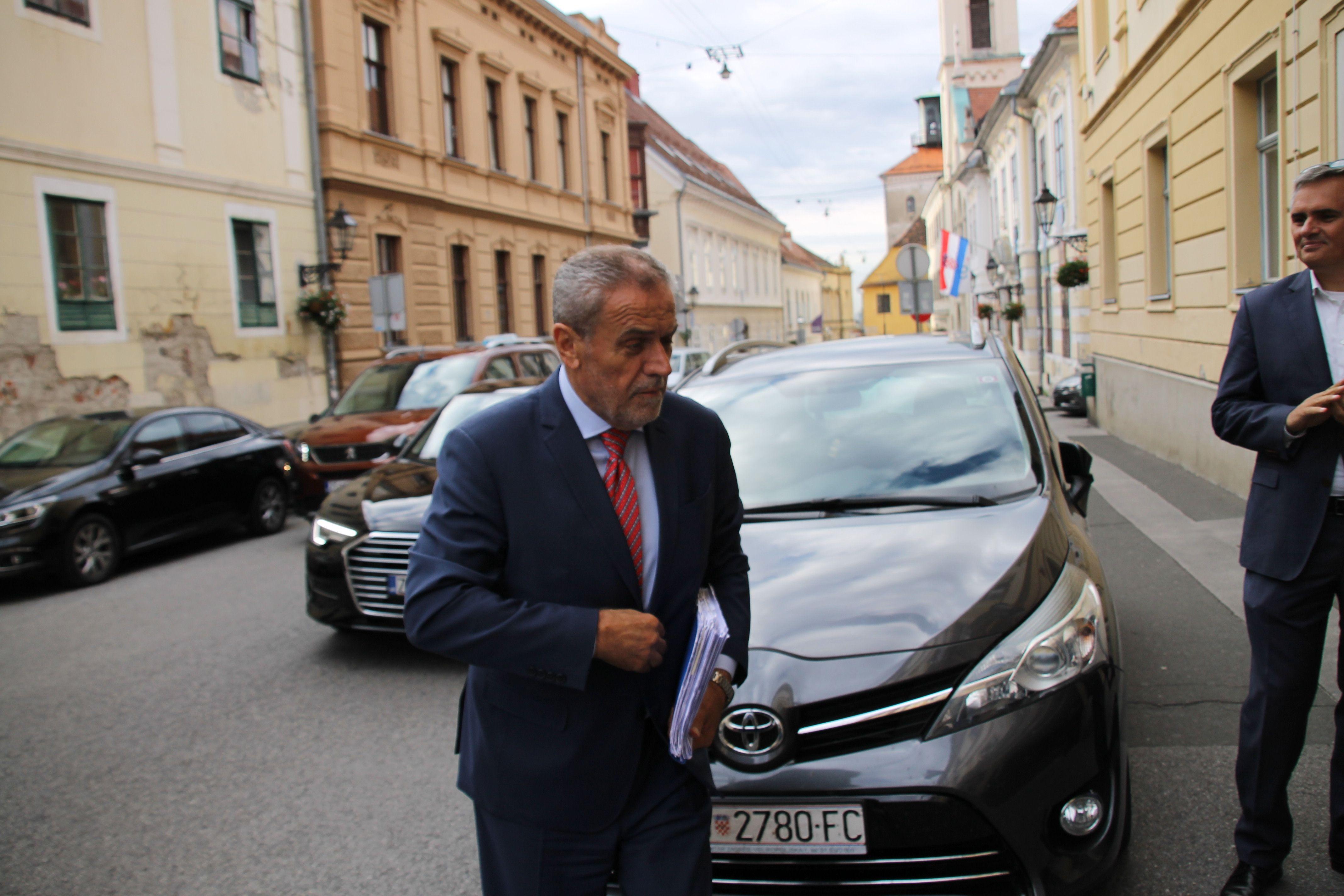 Bandić: Smiješno je što se za predsjednika kandidira neki drugi Milan Bandić