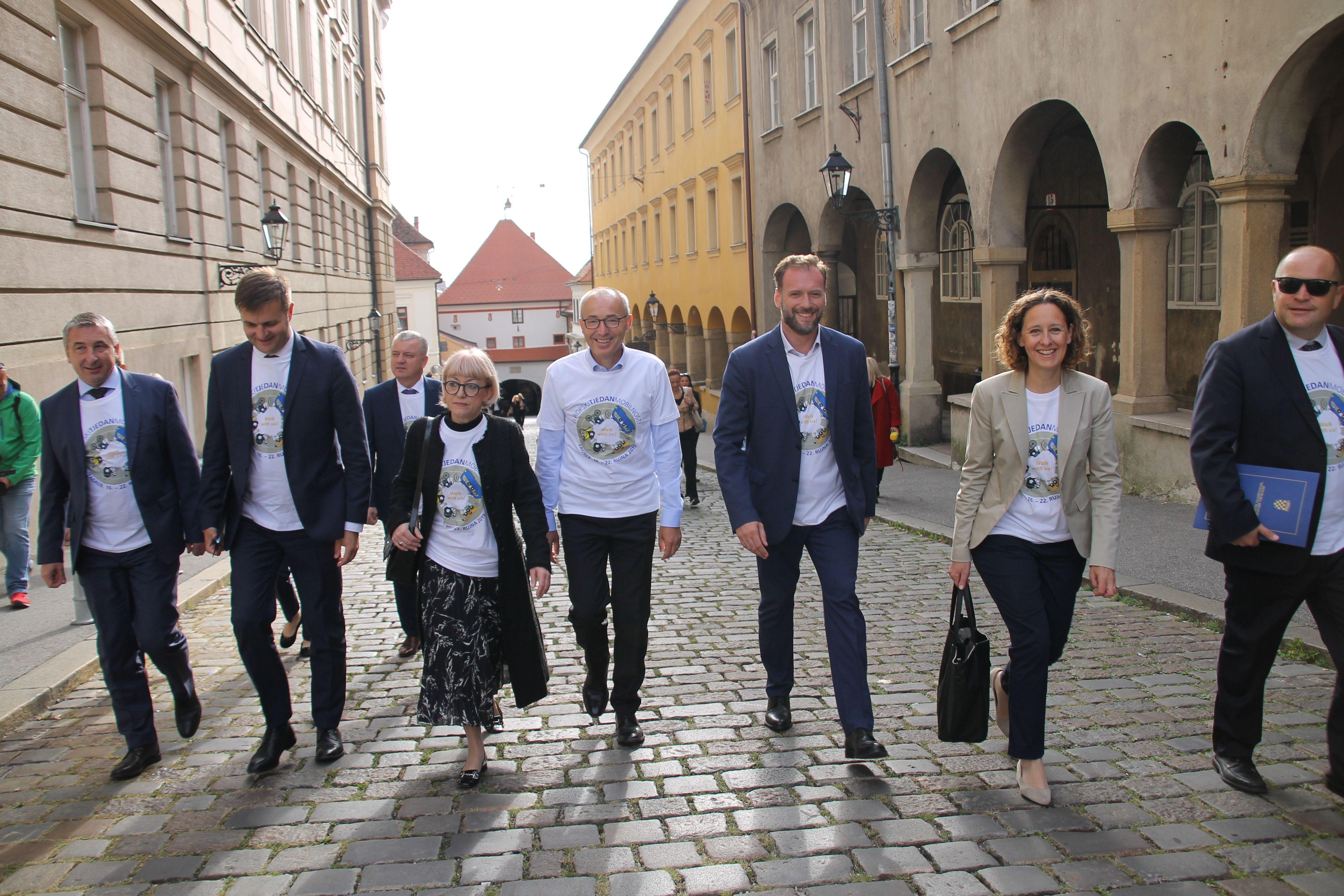 EUROPSKI TJEDAN MOBILNOSTI: Ministri pješice na sjednicu Vlade