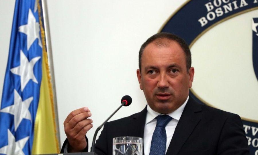 Šef diplomacije BiH Igor Crnadak: Dodikovo osporavanje državnih institucija moglo bi zemlju dovesti na rub rata