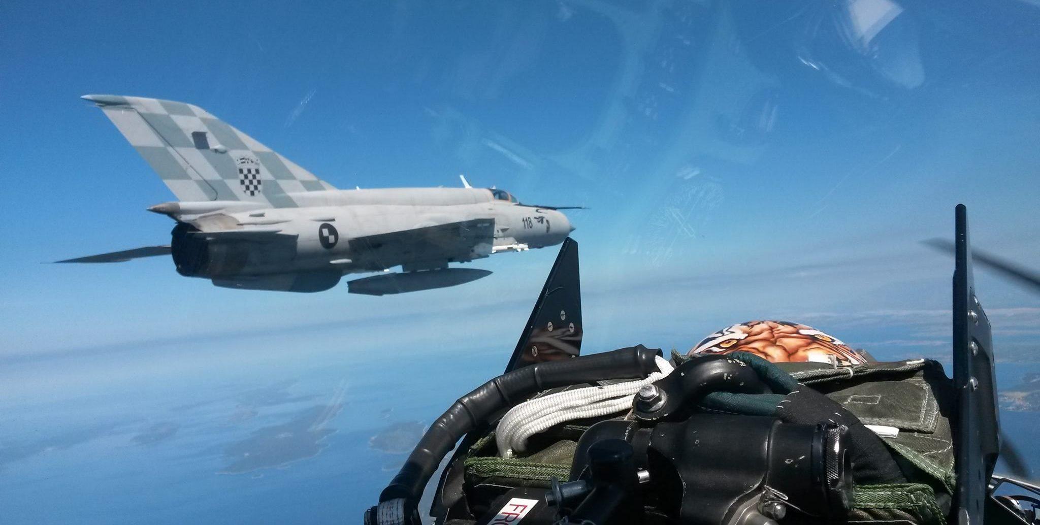 Letačke aktivnosti borbenih aviona HRZ-a: moguće probijanje zvučnog zida