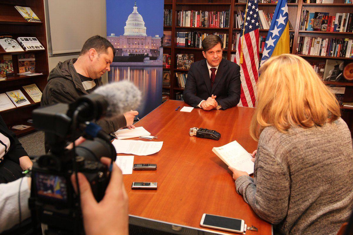 Američki veleposlanik poziva BiH da nastavi s reformom obrane i uspostavi vlast: Reforme trebaju osigurati napredak ne samo na vojnom planu nego i kada je riječ o vladavini zakona