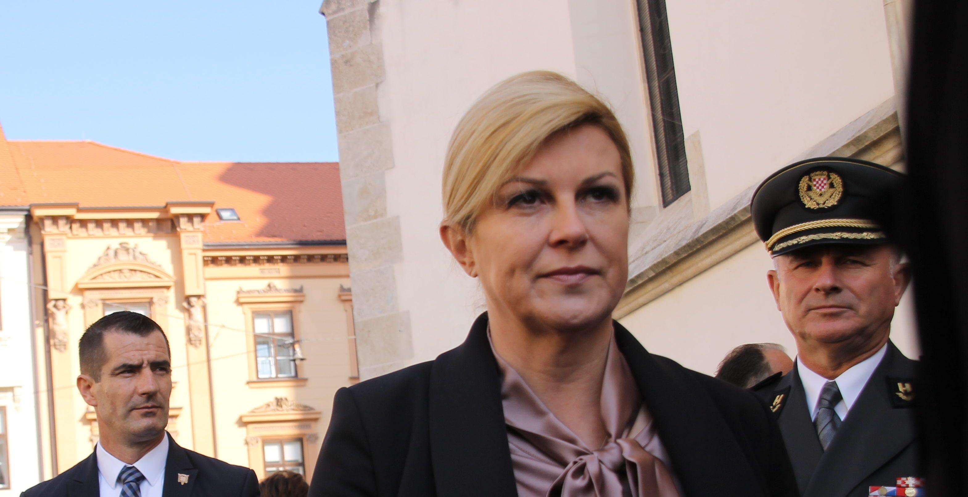 """Grabar-Kitarović zgrožena spolnim zlostavljanjem i ucjenom maloljetnice u Zadru: """"Ne smijemo zatvarati oči nad nasiljem u našem društvu jer se time žrtve dodatno zlostavljaju"""""""