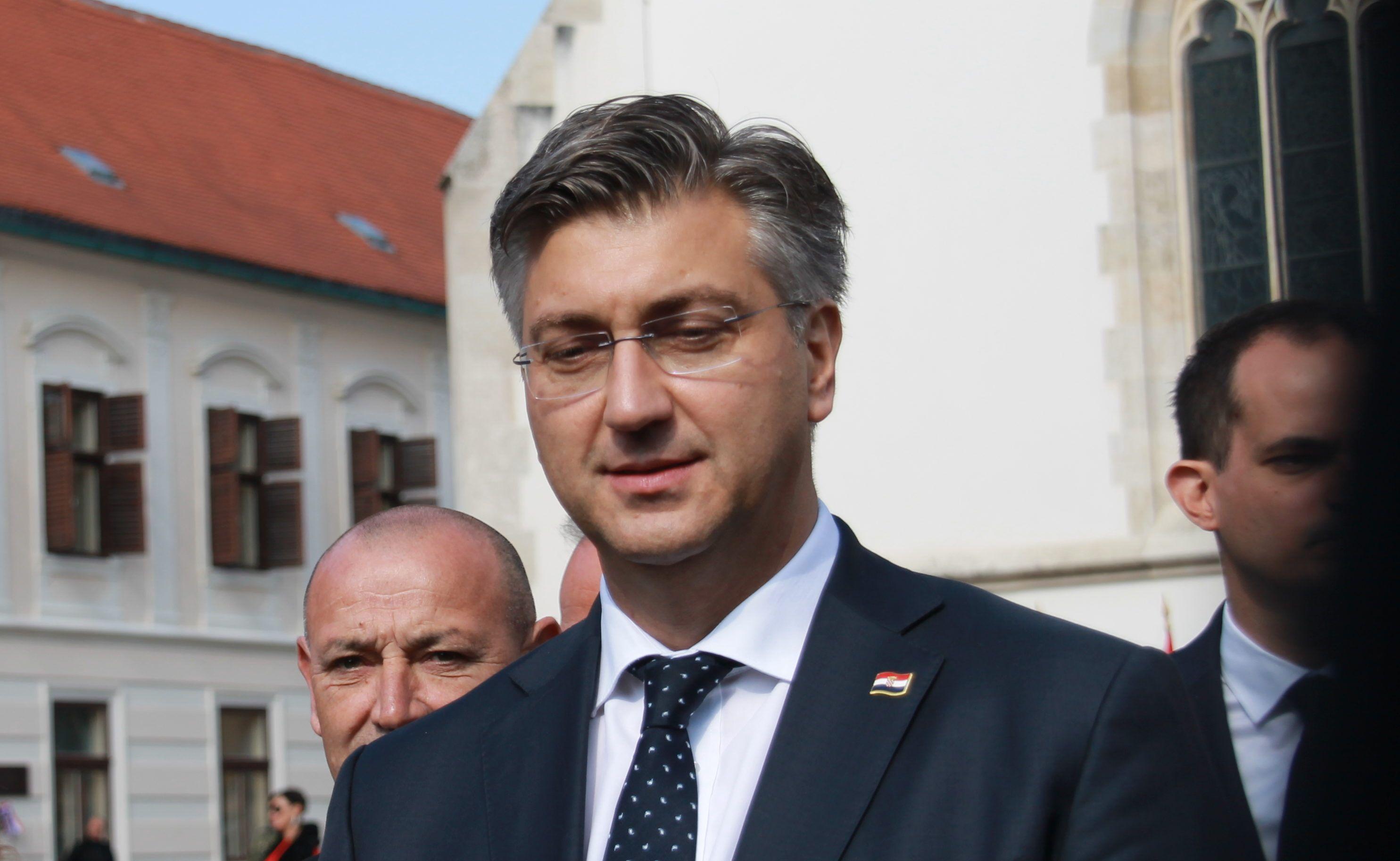 Plenković o jutrošnjem incidentu: U Vukovaru treba voditi politiku smirivanja tenzija