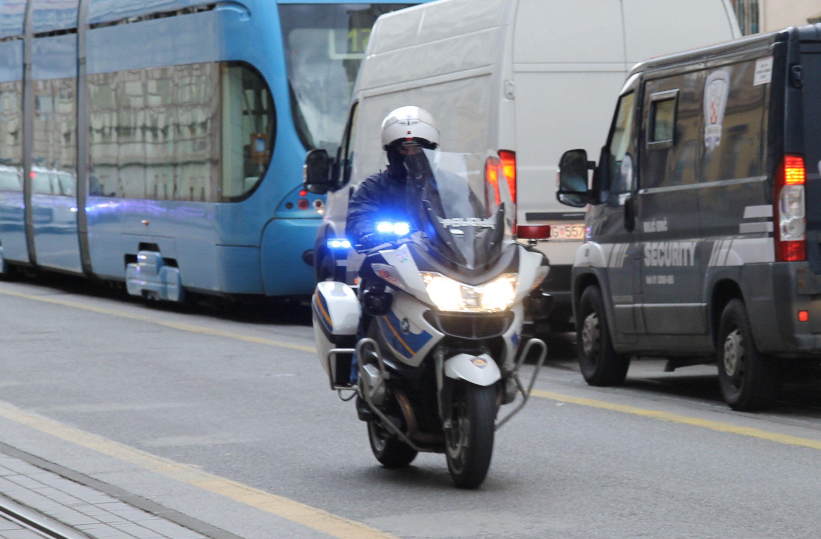 MUP: Od 1. studenoga obvezna vožnja s upaljenim svjetlima