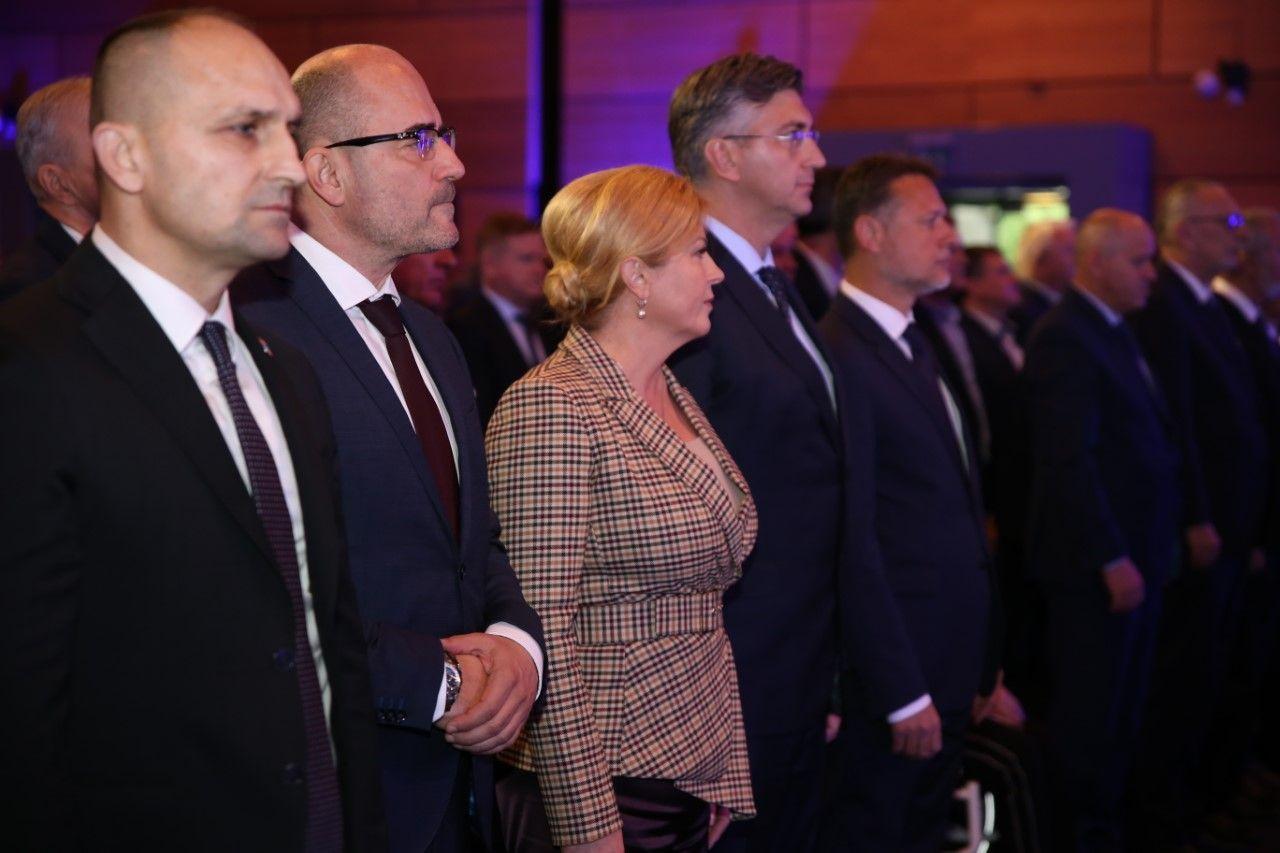 """Anušić: Grabar-Kitarović će predati više nego dovoljan broj potpisa za kandidaturu. """"Štrajk ne bi trebao naštetiti predsjednici"""""""