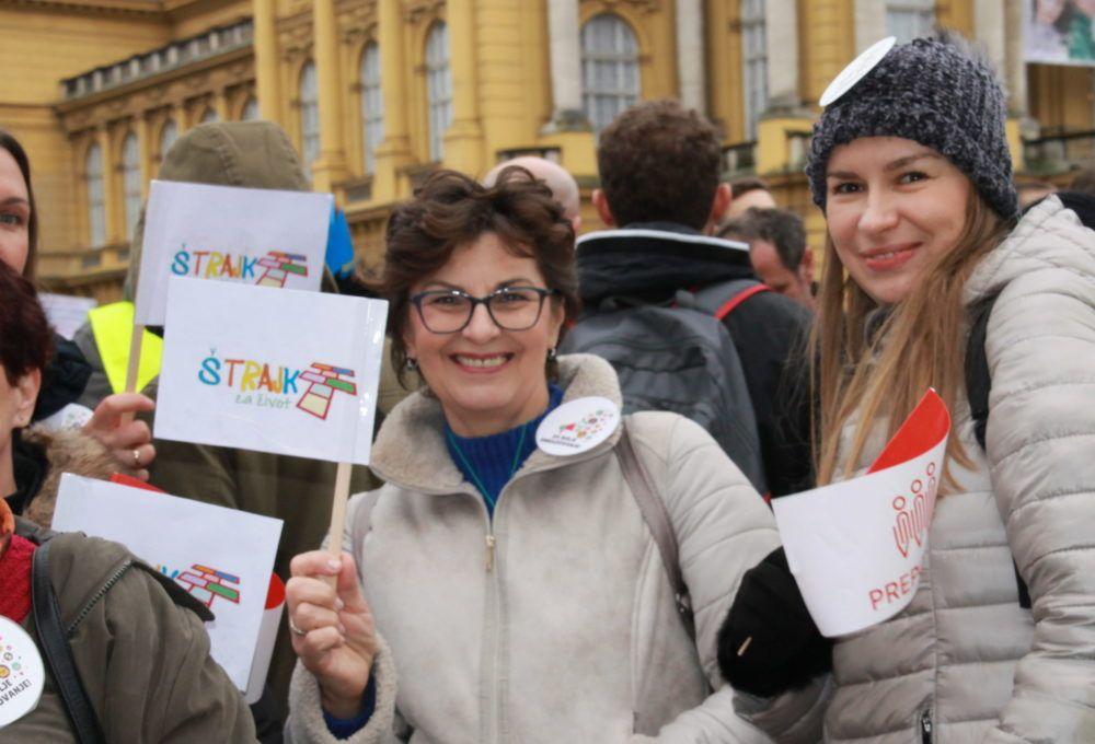 Štrajk u školama se nastavlja dok sindikati ne usvoje rješenje