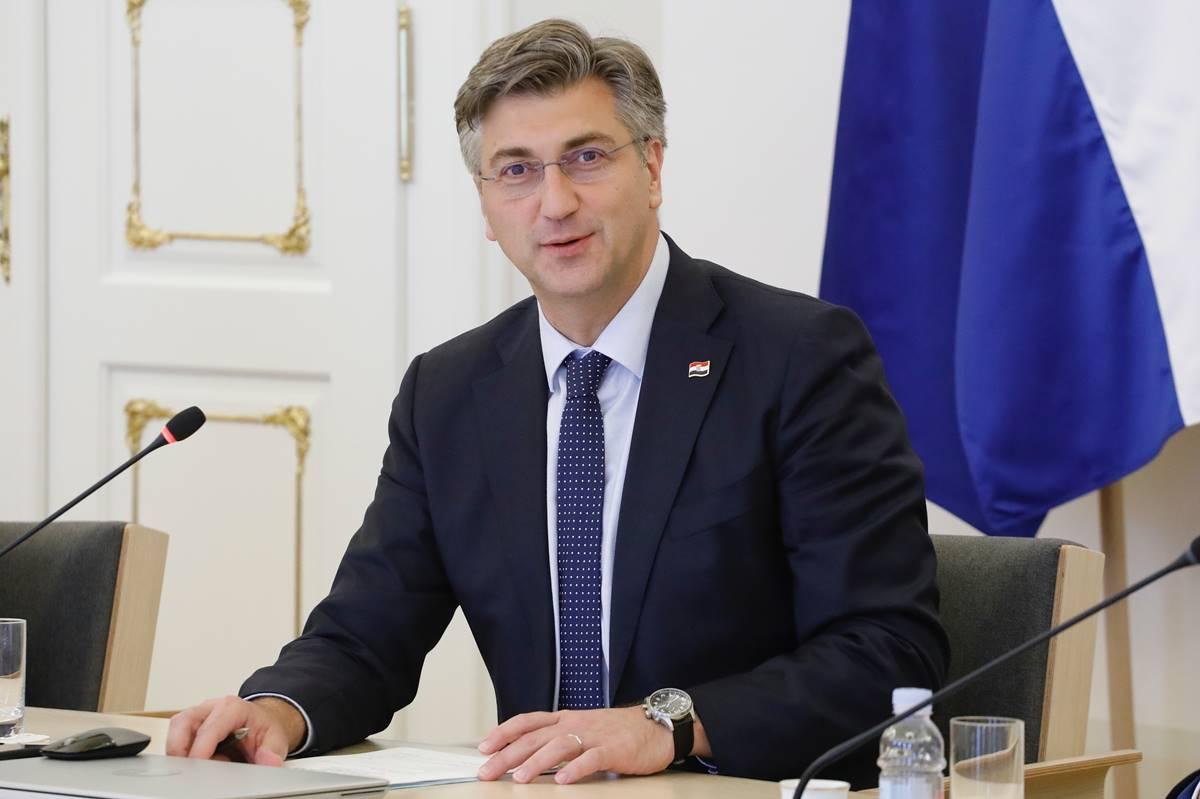 Plenković: Najvažnija je poruka kompromisa sa sindikatima da su djeca danas u školi