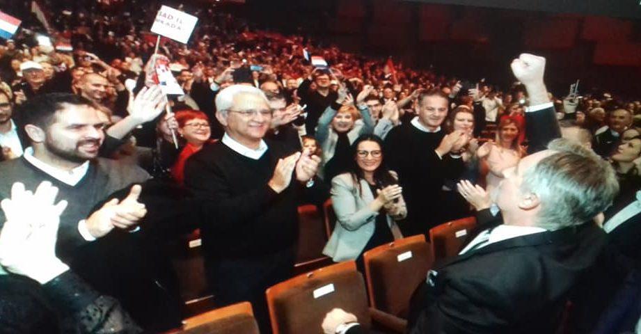 """SNAGA DOMOLJUBLJA Miroslav Škoro poslao oštru poruku Plenkoviću i Grabar-Kitarović: """"Ovo je tsunami koji više nitko neće moći zaustaviti"""""""