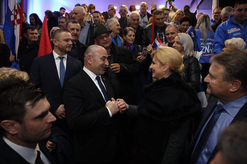Grabar-Kitarović: Bila sam i ostajem vaša predsjednica