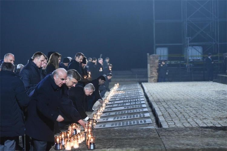 """Komemoracija u Auschwitzu – Plenković: """"To je zaista jedna bolna epizoda europske i svjetske povijesti"""""""