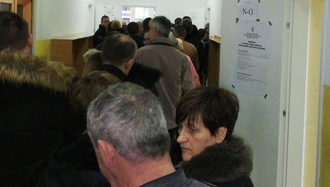 DIP: Kasnilo samo jedno biračko mjesto u Zagrebu, u Mostaru birači došli i prije otvaranja birališta