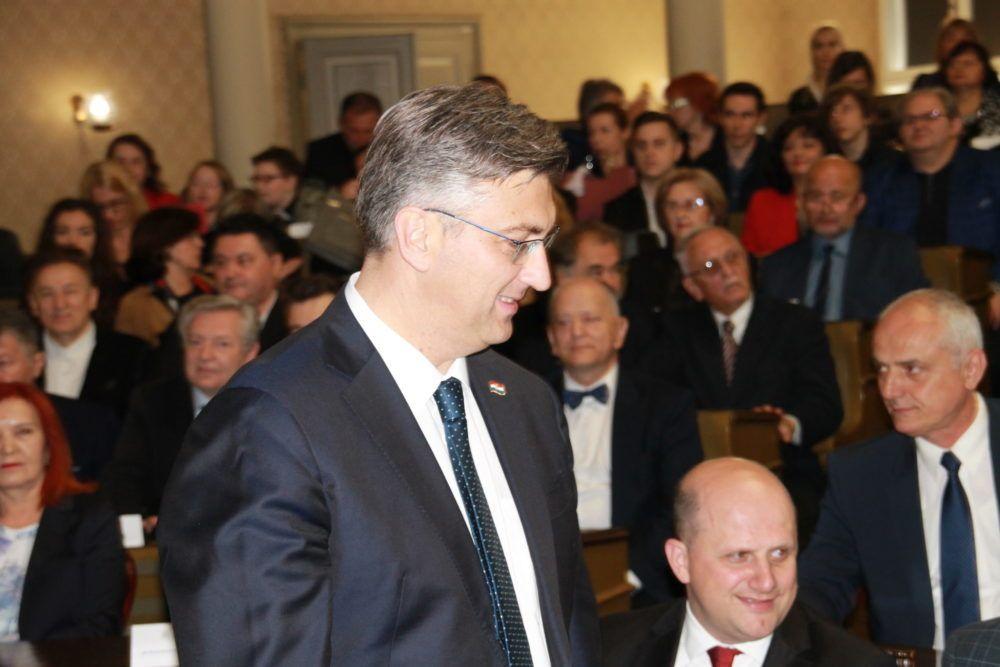 Plenković ne vidi zašto bi HDZ odustao od amandmana na zagrebački GUP