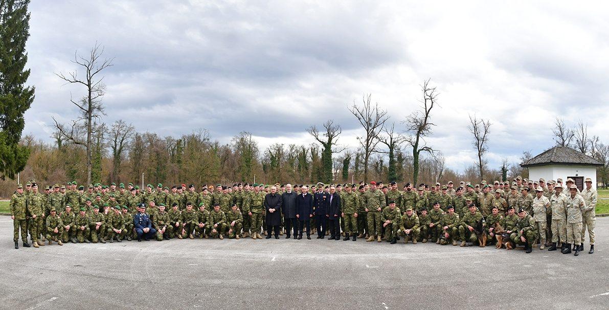 "(FOTO i VIDEO) Ispraćen 12. hrvatski kontingent u misiju ""Resolute Support"" u Afganistanu"
