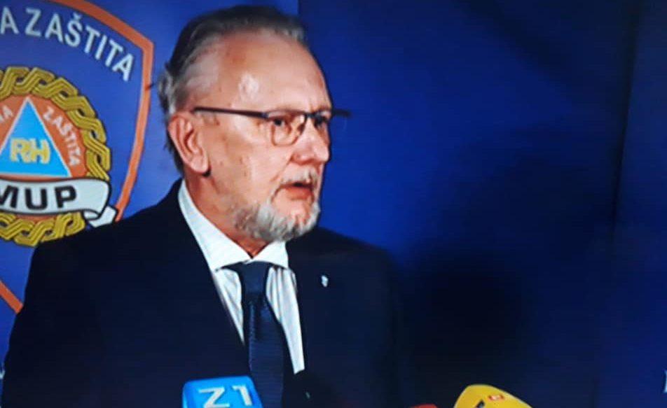 HRVATSKA IDE U KARANTENU Božinović: Od ponoći zabranjeni javni događaji i rad trgovina osim za prehranu i higijenu