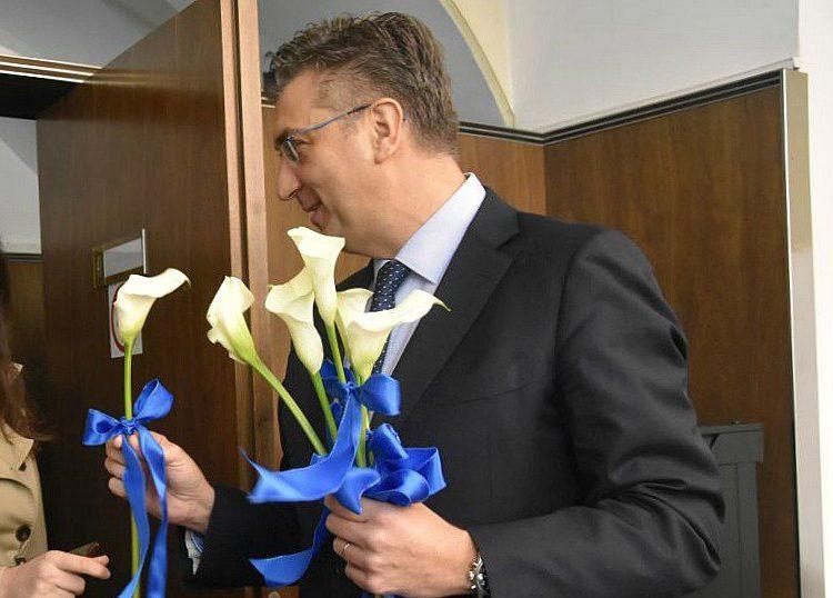 HRVATSKI PREMIJER I PREDSJEDNIK HDZ-a Andrej Plenković čestitao Međunarodni dan žena
