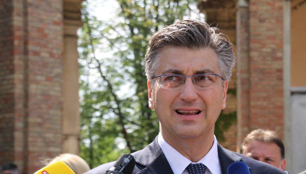 """Plenković: """"Mjere koje su poduzete jučer čak su strože i od najtežih vremena u Domovinskom ratu, 102 zaraženih koronavirusom, s takvom krizom još se nismo suočili"""""""