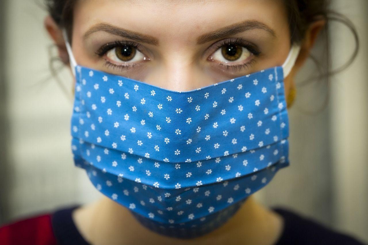 Koronavirus i prevencija: Zašto je toliko teško ne dodirivati lice?