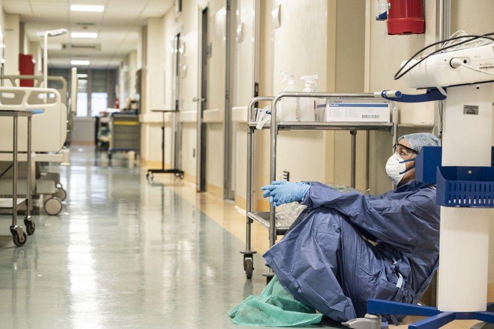 PANDEMIJA COVID-19: U talijanske bolnice noću stižu more i strah od smrti