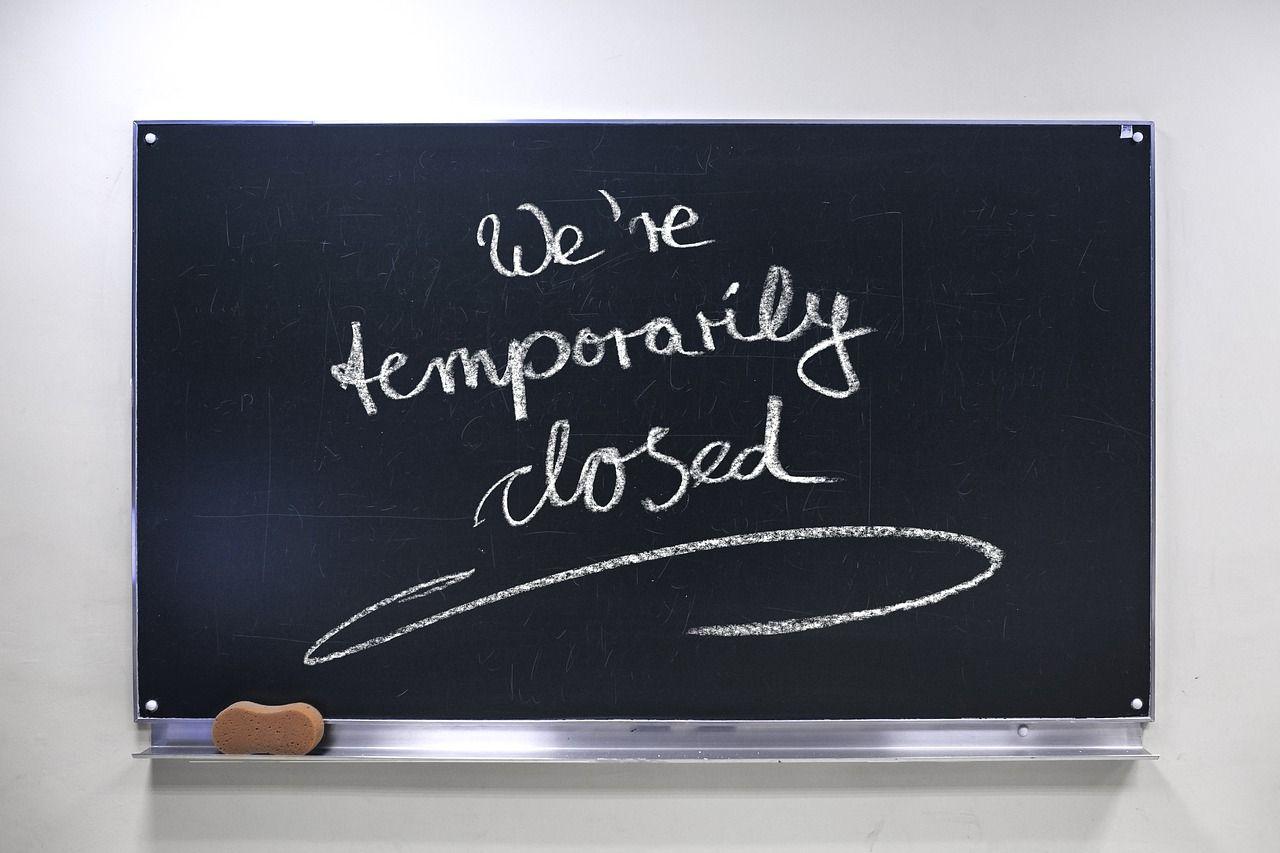 Poljska zbog koronavirusa zatvara škole, kina, kazališta